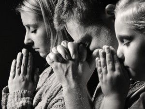 Personas orando